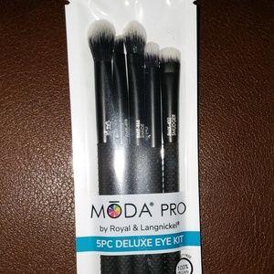 MODA PRO, 5pc Deluxe Eye Kit Brush Set